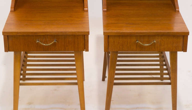 Scandinavian Modern Night Tables In Excellent Condition For Sale In New York, NY