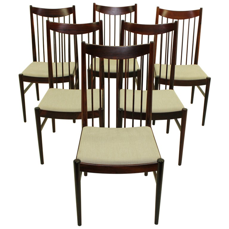 Set Of Six Elegant Danish Modern Rosewood Dining Chairs