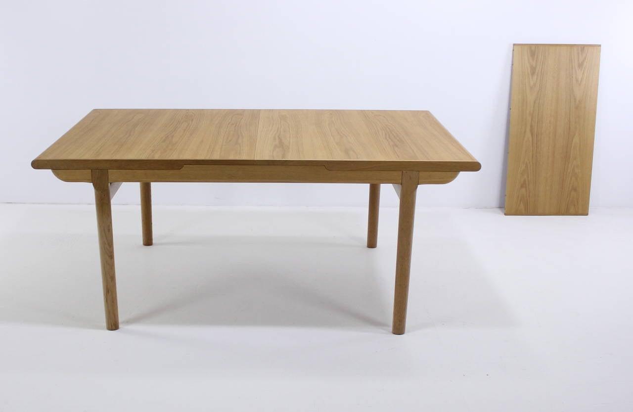 Danish modern oak dining set designed by s ren willadsen for Modern oak dining room sets