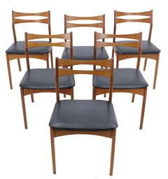 Set of Six Danish Modern Teak Chairs Designed by Johannes Andersen