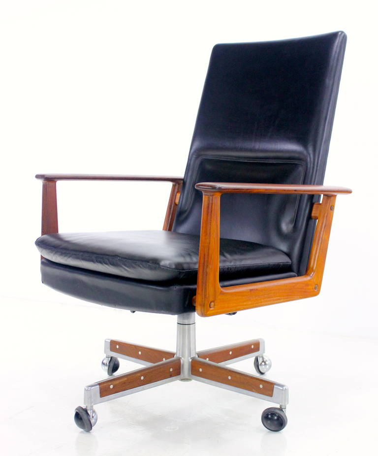 Exceptional Danish Modern Executive Office Chair Designed By Arne Vodder At 1