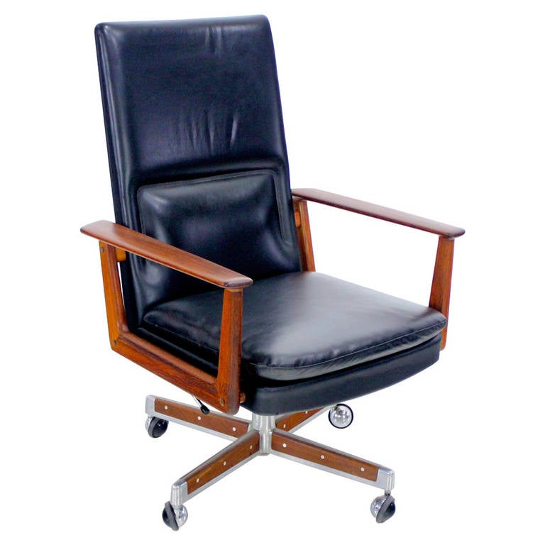 Exceptional Danish Modern Executive Office Chair Designed