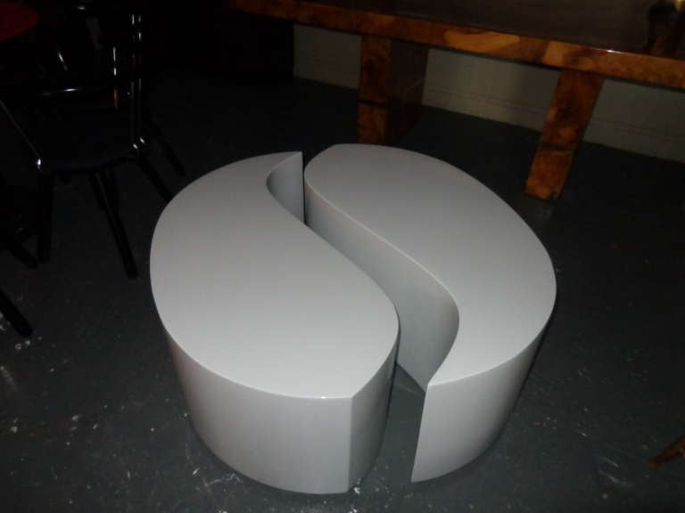 Two piece yin yang coffee table at 1stdibs for Table yin yang