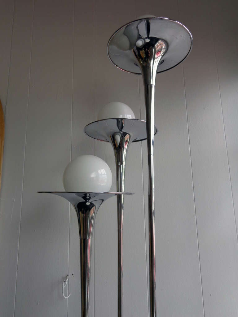 midcentury chrome three light floor lamp at 1stdibs. Black Bedroom Furniture Sets. Home Design Ideas