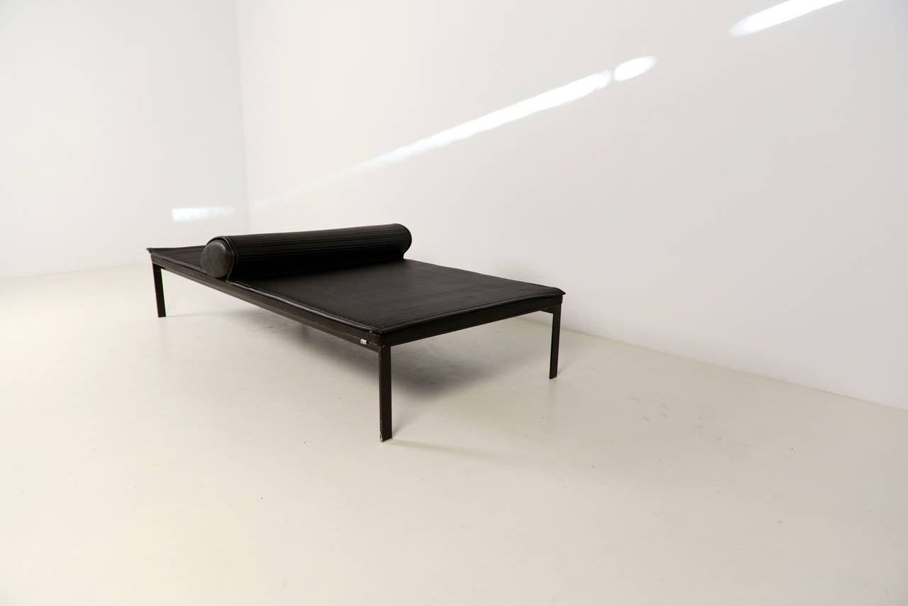 Rococo Bed Kopen : Rare daybed designed by vincent van duysen for b&b italia at 1stdibs