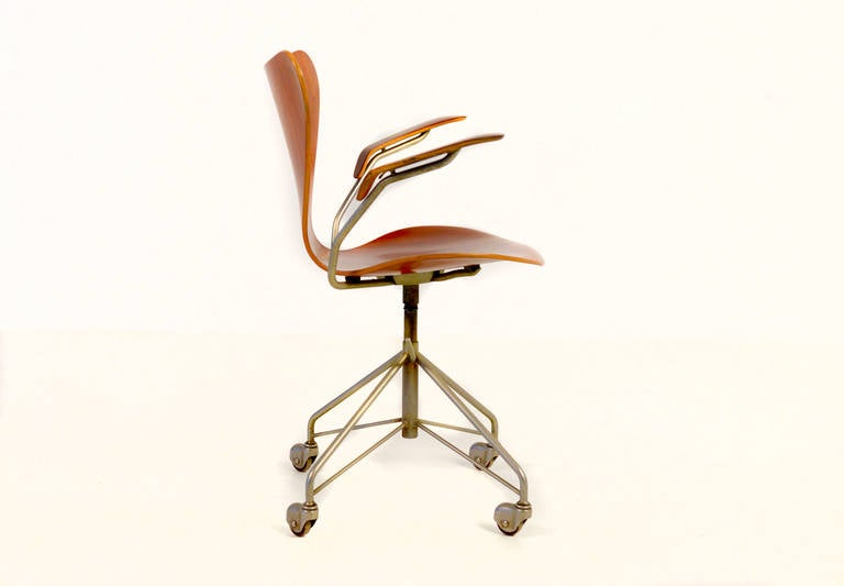 7 rare arne jacobsen series 7 office chair model 3217 with armrests arne jacobsen office chair