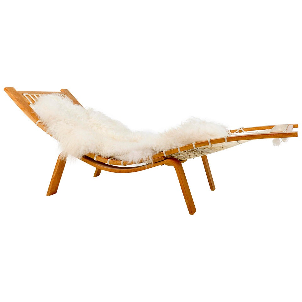 rare hans wegner hammock chaise longue for getama for sale at 1stdibs. Black Bedroom Furniture Sets. Home Design Ideas