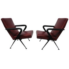Pair of Friso Kramer 'Repose' Leather Lounge Chairs Ahrend de Cirkel, 1960