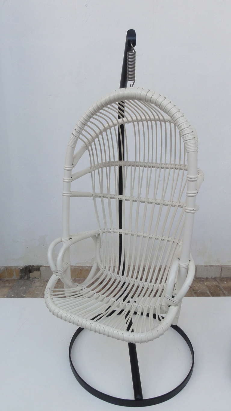 Iconic Sixties White Cane Parrot Hanging Chair With Metal Frame By Rohe Noordwolde The Netherlands For Sale 2