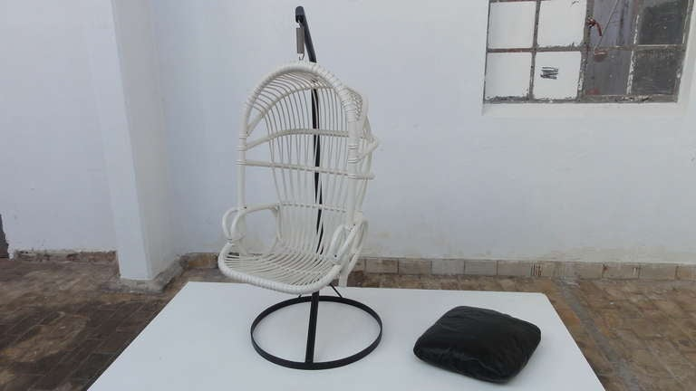Iconic Sixties White Cane Parrot Hanging Chair With Metal Frame By Rohe Noordwolde The Netherlands For Sale 3