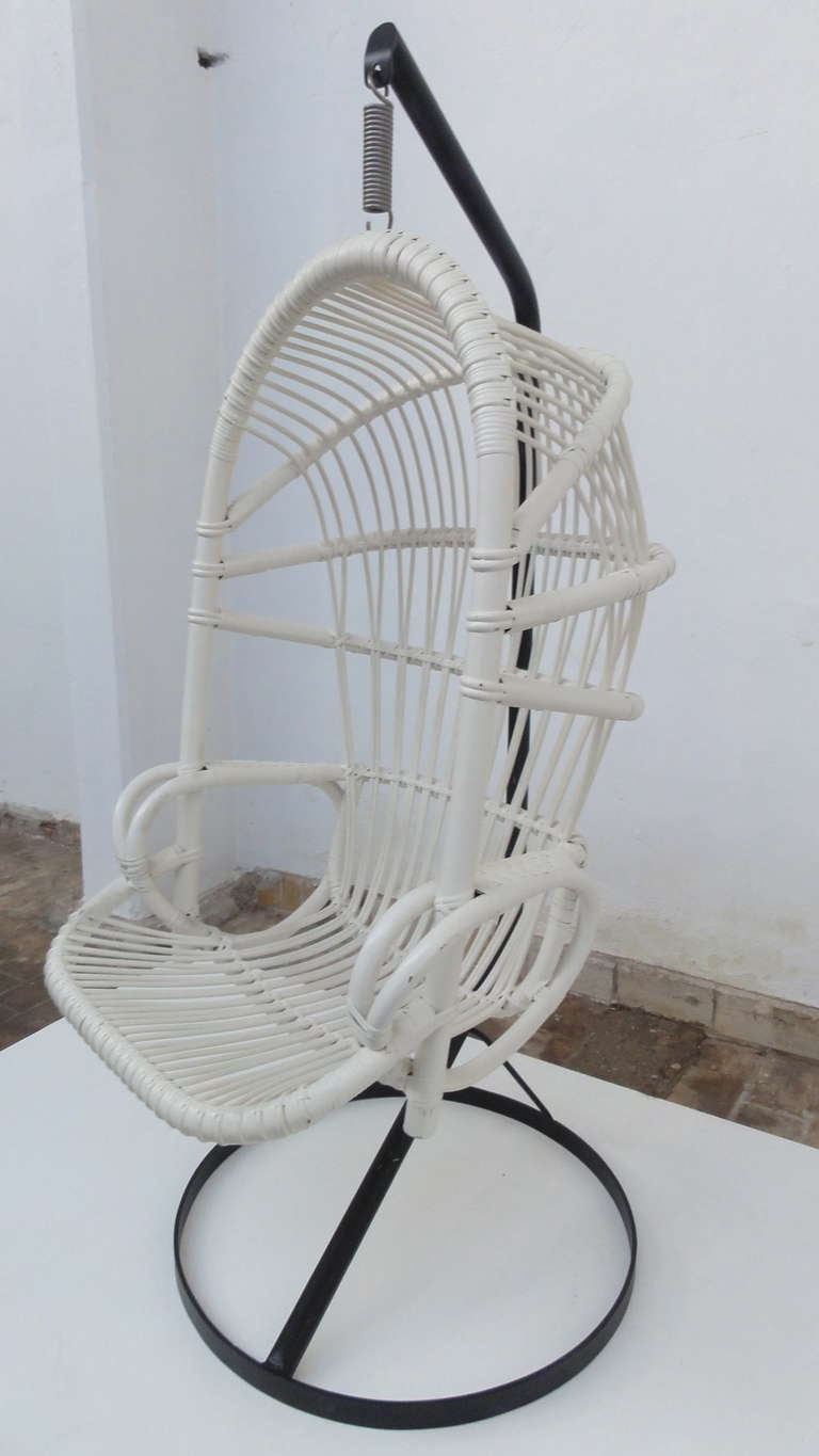 Iconic Sixties White Cane Parrot Hanging Chair With Metal Frame By Rohe Noordwolde The Netherlands For Sale 4