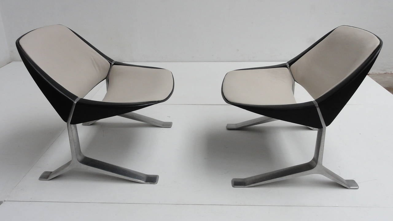 Rare Pair of Lounge Chairs by Sculptor Knut Hesterberg, 1970-1971 In Good Condition For Sale In bergen op zoom, NL