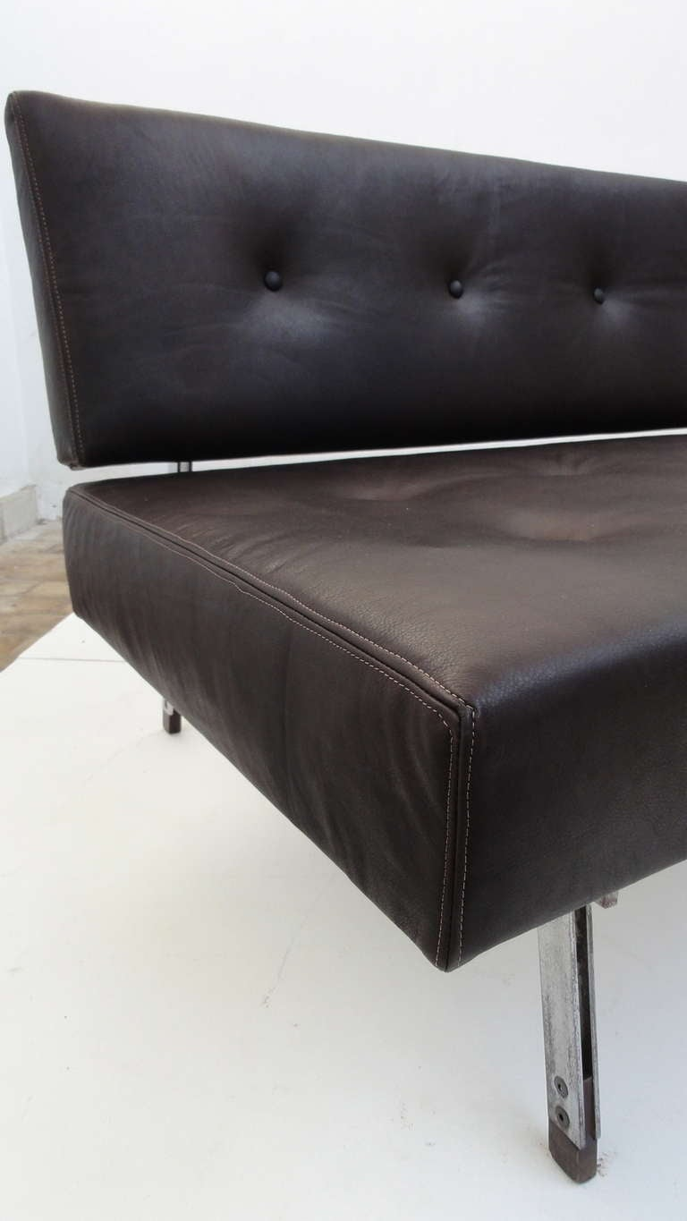 Superb 1958, 3 seat, Gianfranco Frattini,  '872' leather sofa, Cassina, Italy In Good Condition For Sale In bergen op zoom, NL