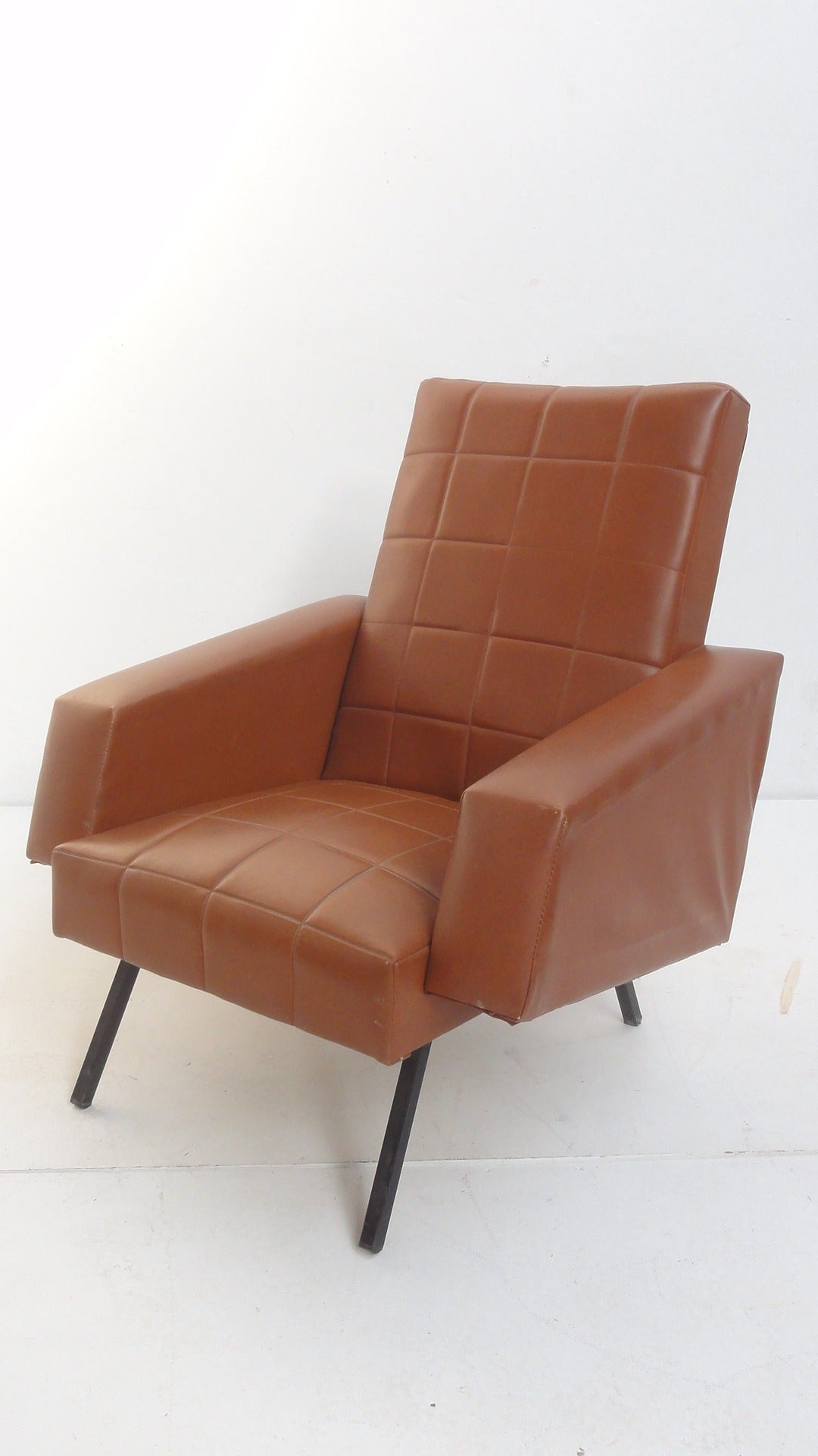 Very comfortable pair of 1950s french reclining leather armchairs - Pair Of French Easy Chairs In The Manner Of Pierre Guariche For Airborne 2