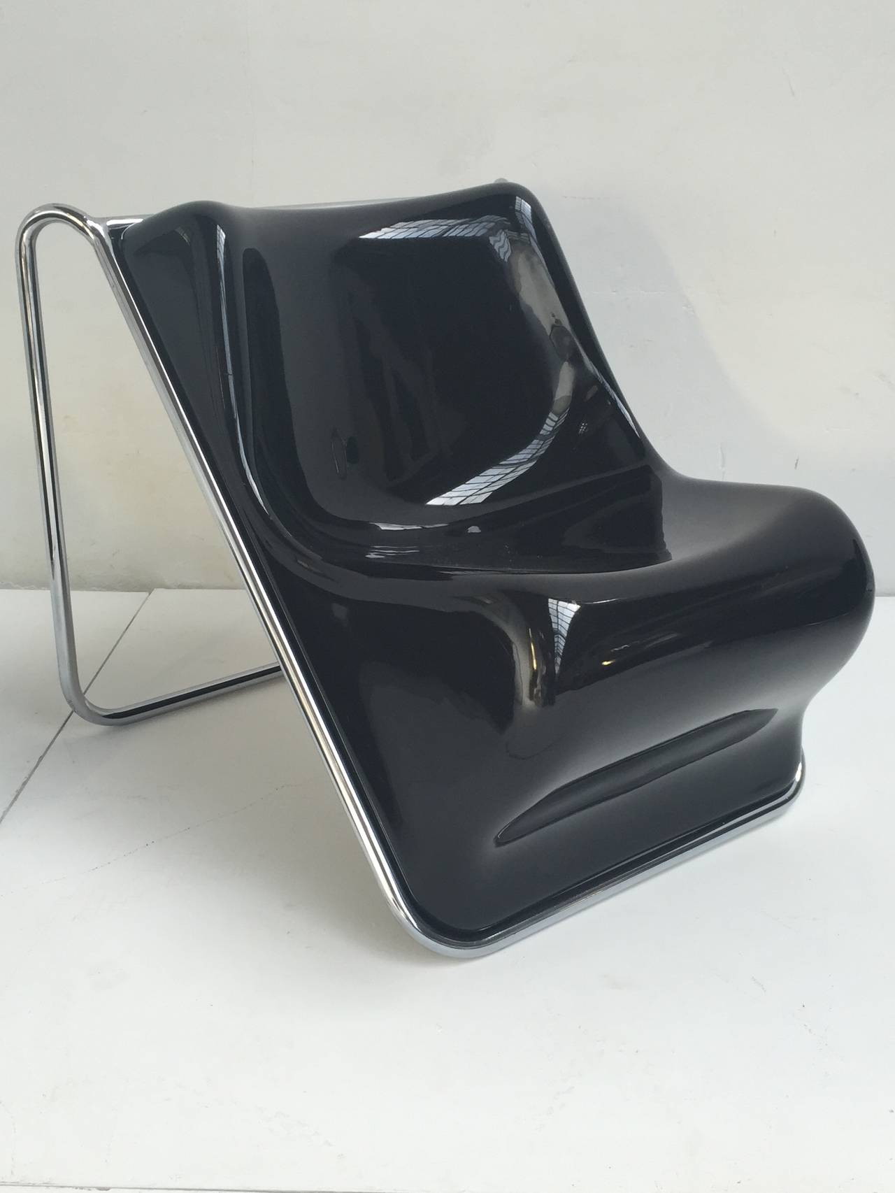 Italian P110 Lounge Chairs by Rosselli, Partner of Gio Ponti, Exhibited at MoMA, NY For Sale