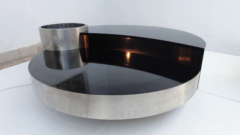 Stunning table with illuminated internal bar compartment for Table willy rizzo