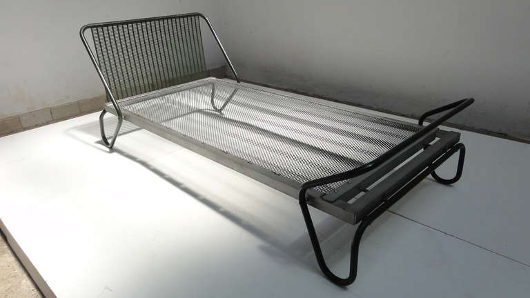 Steel 1952 'Miami' Daybed by Jacques Hitier for the Famous 'Antony' Building, Paris For Sale