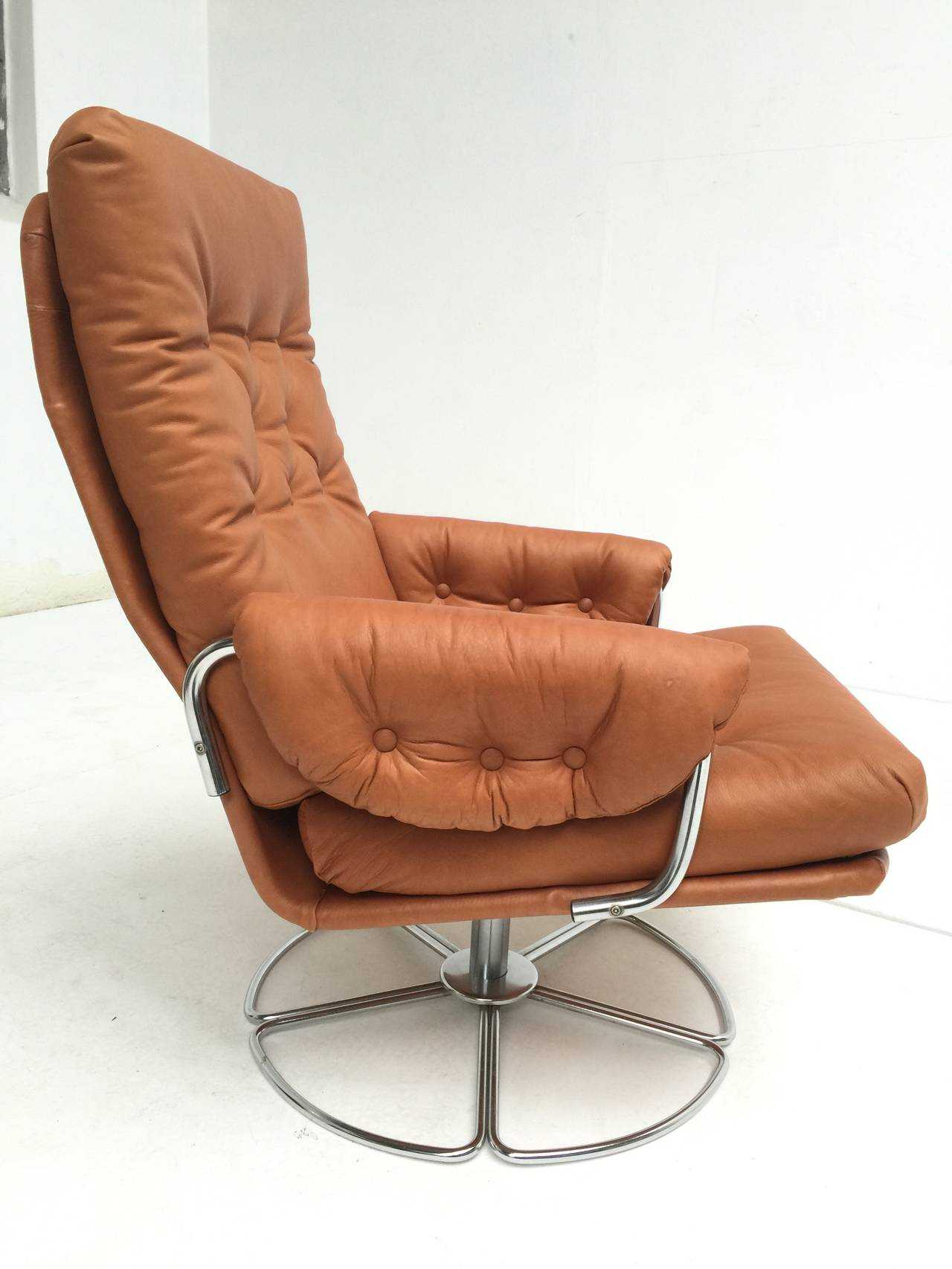 Rare Bruno Mathsson Leather And Chrome Swivel Easy Chair For Dux Sweden 1