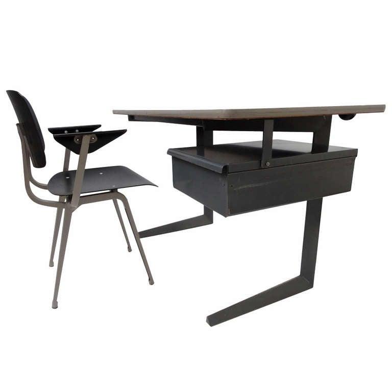 Friso Kramer ''Teacher Desk'' De Cirkel The Netherlands