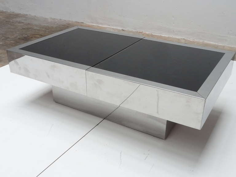 Mid-Century Modern Super Elegant 1975 Willy Rizzo Opening Table Bar in Stainless Steel and Glass