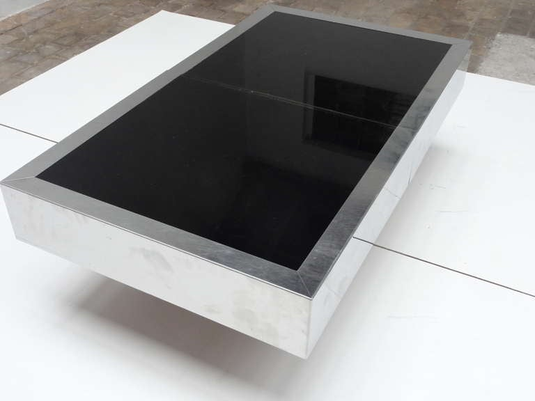 Italian Super Elegant 1975 Willy Rizzo Opening Table Bar in Stainless Steel and Glass