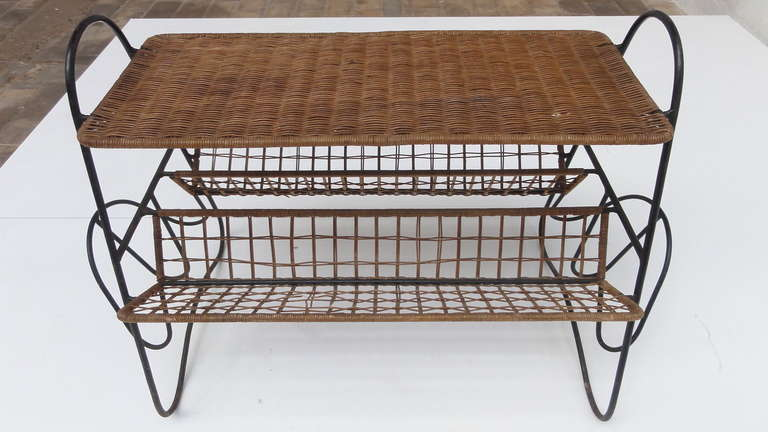 Mid-20th Century French 1950s Wicker and Metal Side Table or Magazine Rack For Sale