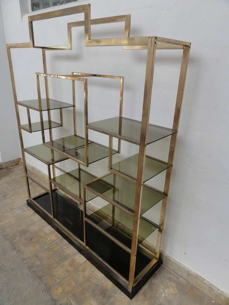 Monumental Geometric Large Brass Shelving by Romeo Rega, Italy, 1970's image 7