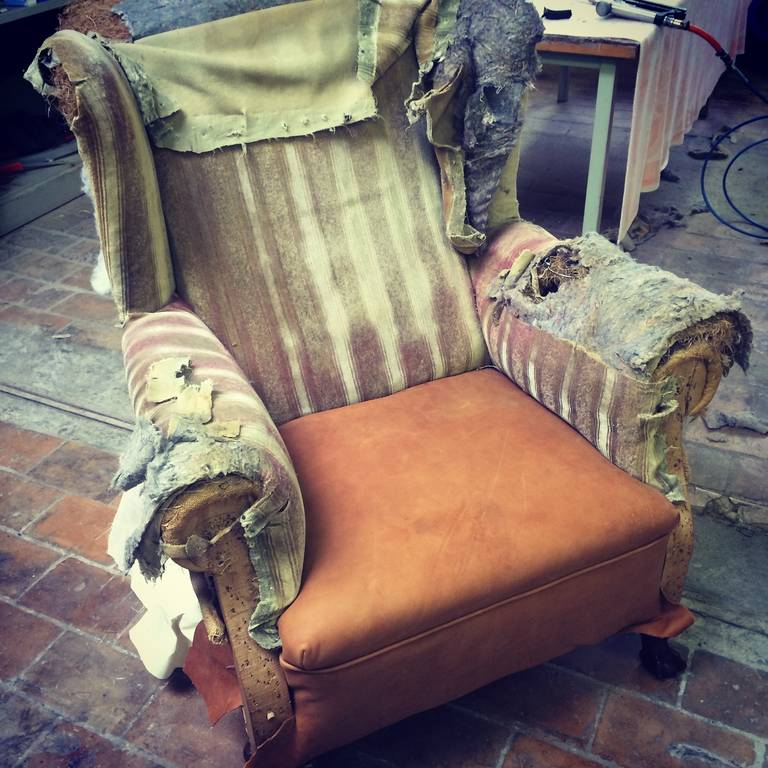 Very Comfortable Neo Gothic 'Griffin Talon' vintage leather Wingback chair 2