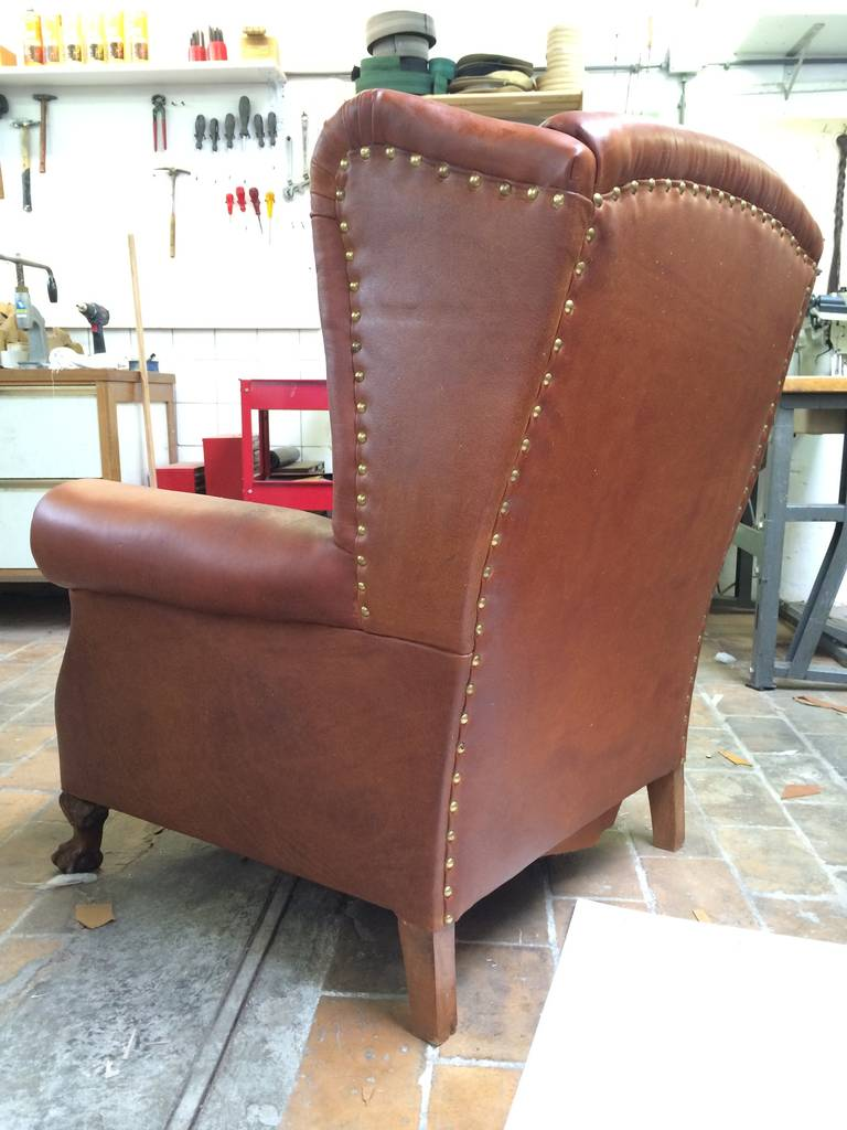 Very Comfortable Neo Gothic 'Griffin Talon' vintage leather Wingback chair 10