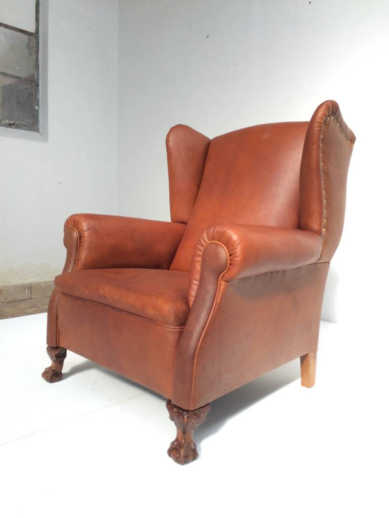 Very comfortable neo gothic 39 griffin talon 39 vintage for Comfortable wingback chair