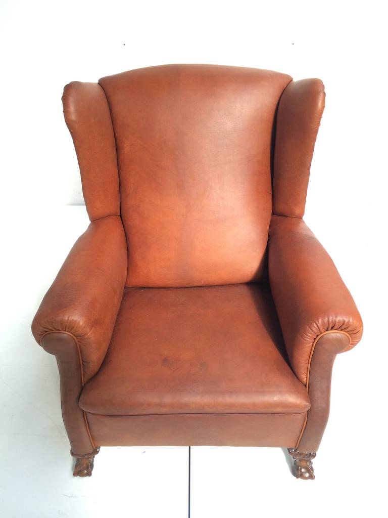 Very Comfortable Neo Gothic 'Griffin Talon' vintage leather Wingback chair 9