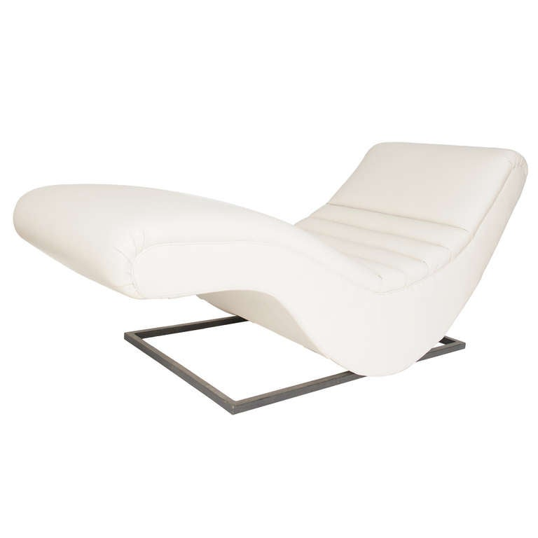 Superb Sculptural  Form  Leather Chaise Longue, Germany, 1970