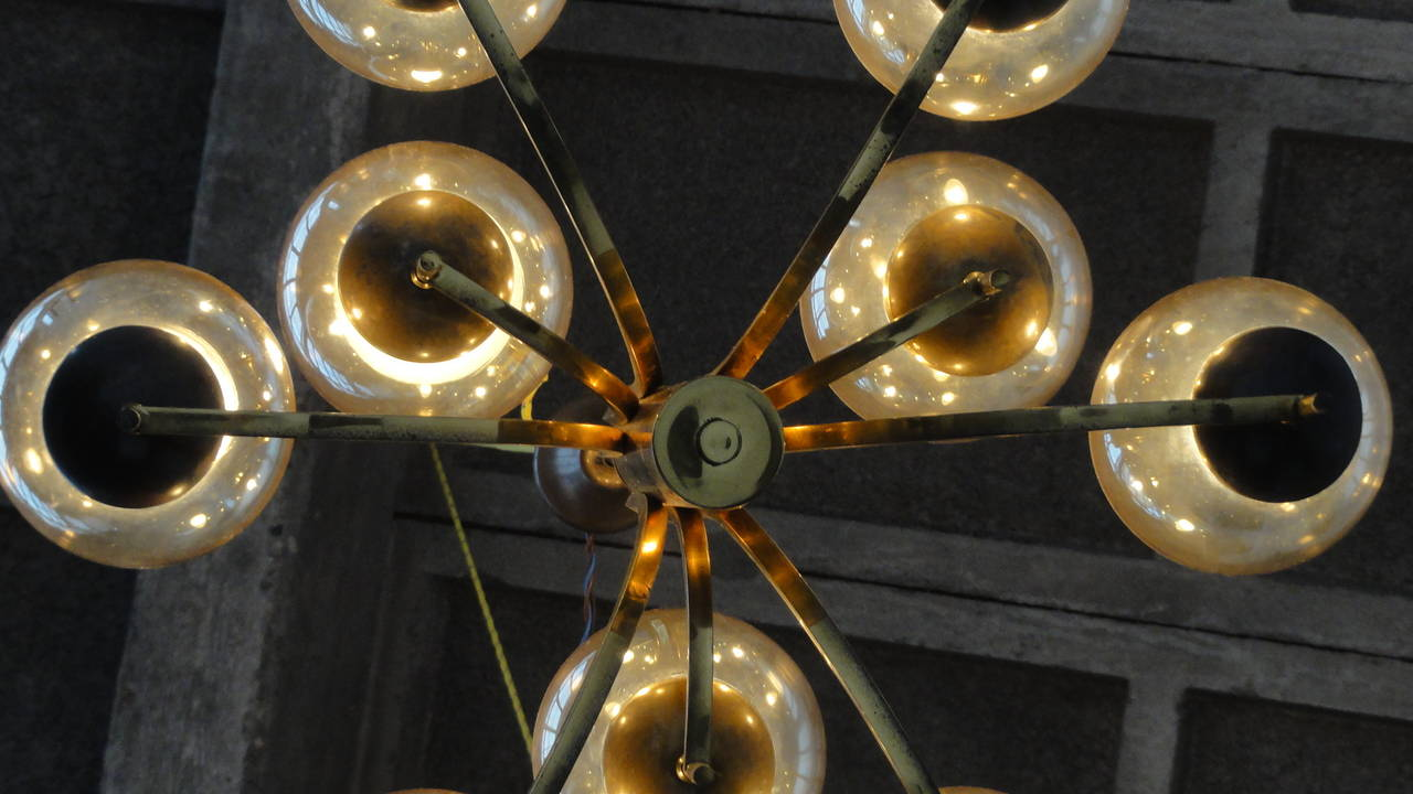1950's Italian glass & brass chandelier with 9 glass globes In Good Condition For Sale In bergen op zoom, NL