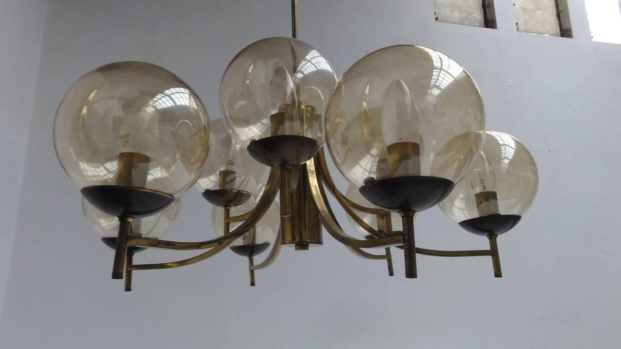 1950's Italian glass & brass chandelier with 9 glass globes For Sale 3