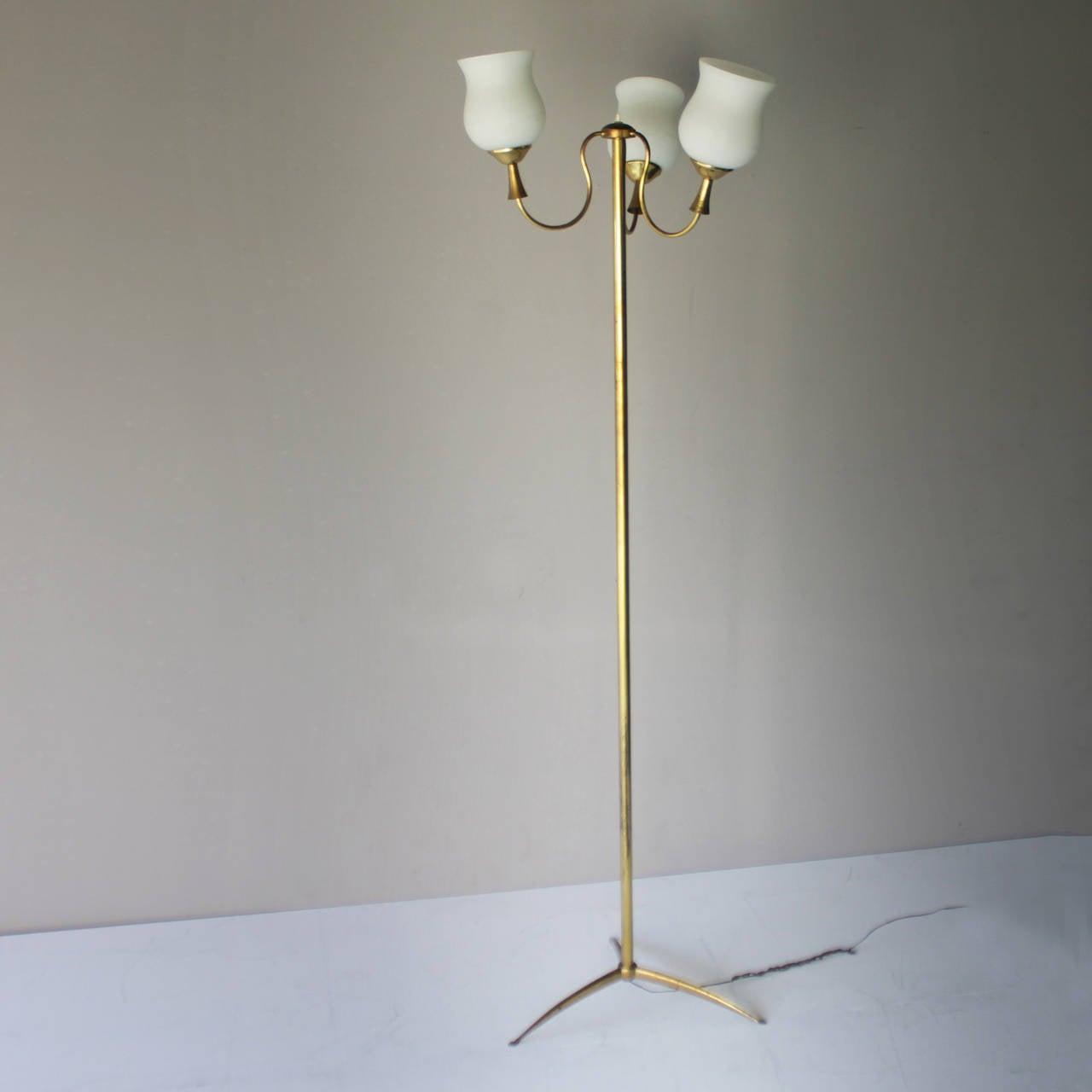 Mid-Century Modern Elegant Italian Floor Lamp by Arredoluce For Sale