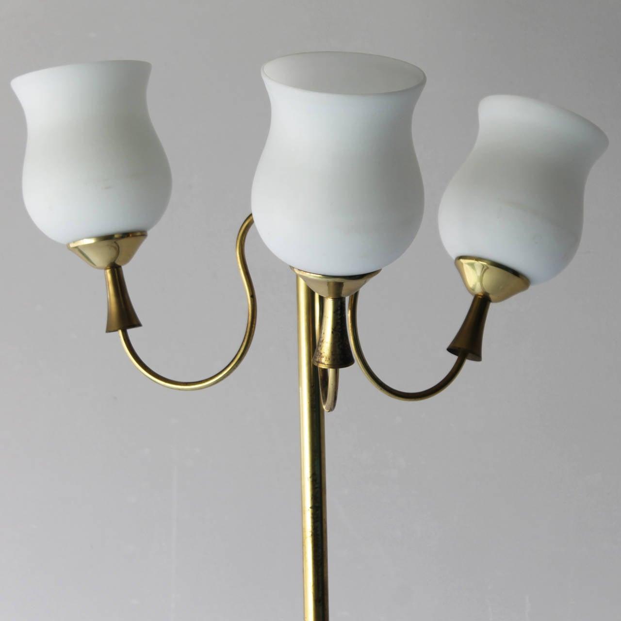 Elegant italian floor lamp by arredoluce for sale at 1stdibs for Arredo luce