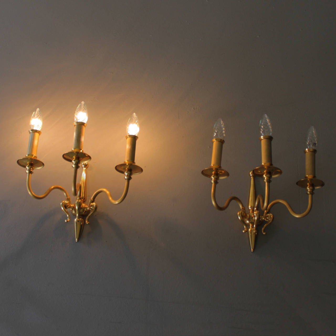 Hollywood Regency Pair of Signed Lumi Milano Sconces For Sale