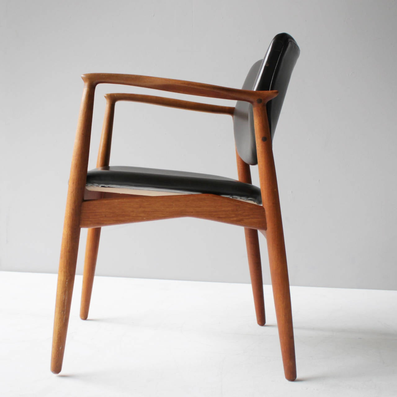Teak and Leather Chair by Eric Buck for Ø. Mobler, Denmark In Excellent Condition For Sale In JM Haarlem, NL