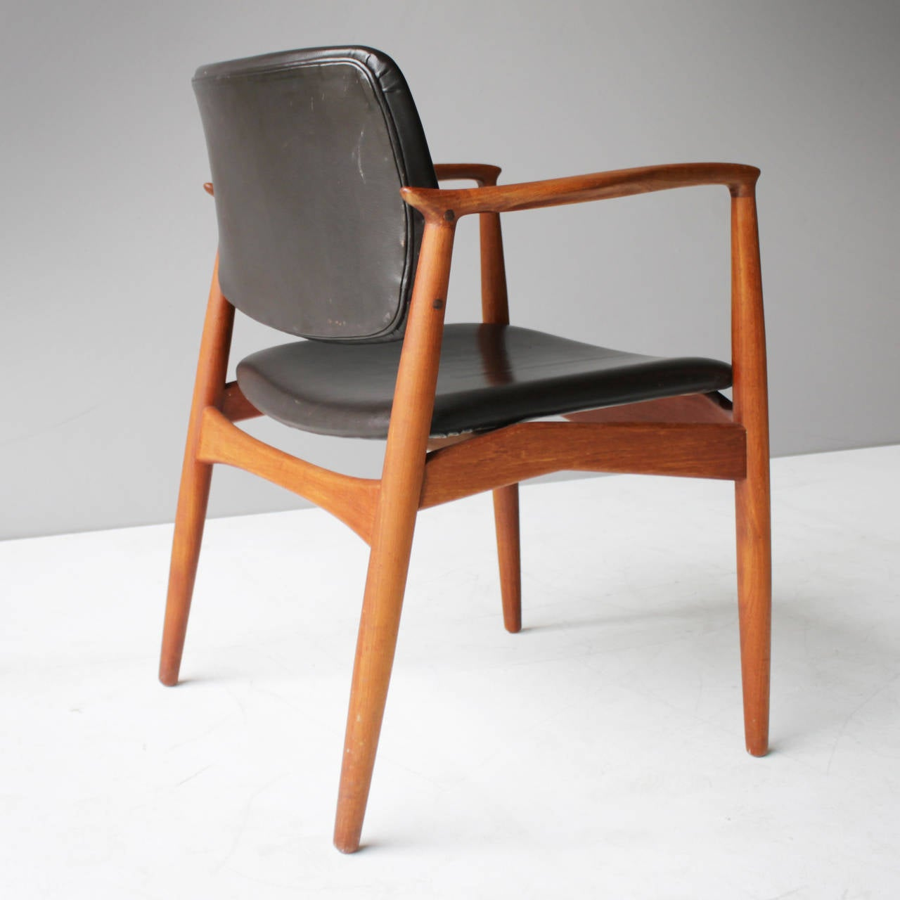 Mid-Century Modern Teak and Leather Chair by Eric Buck for Ø. Mobler, Denmark For Sale