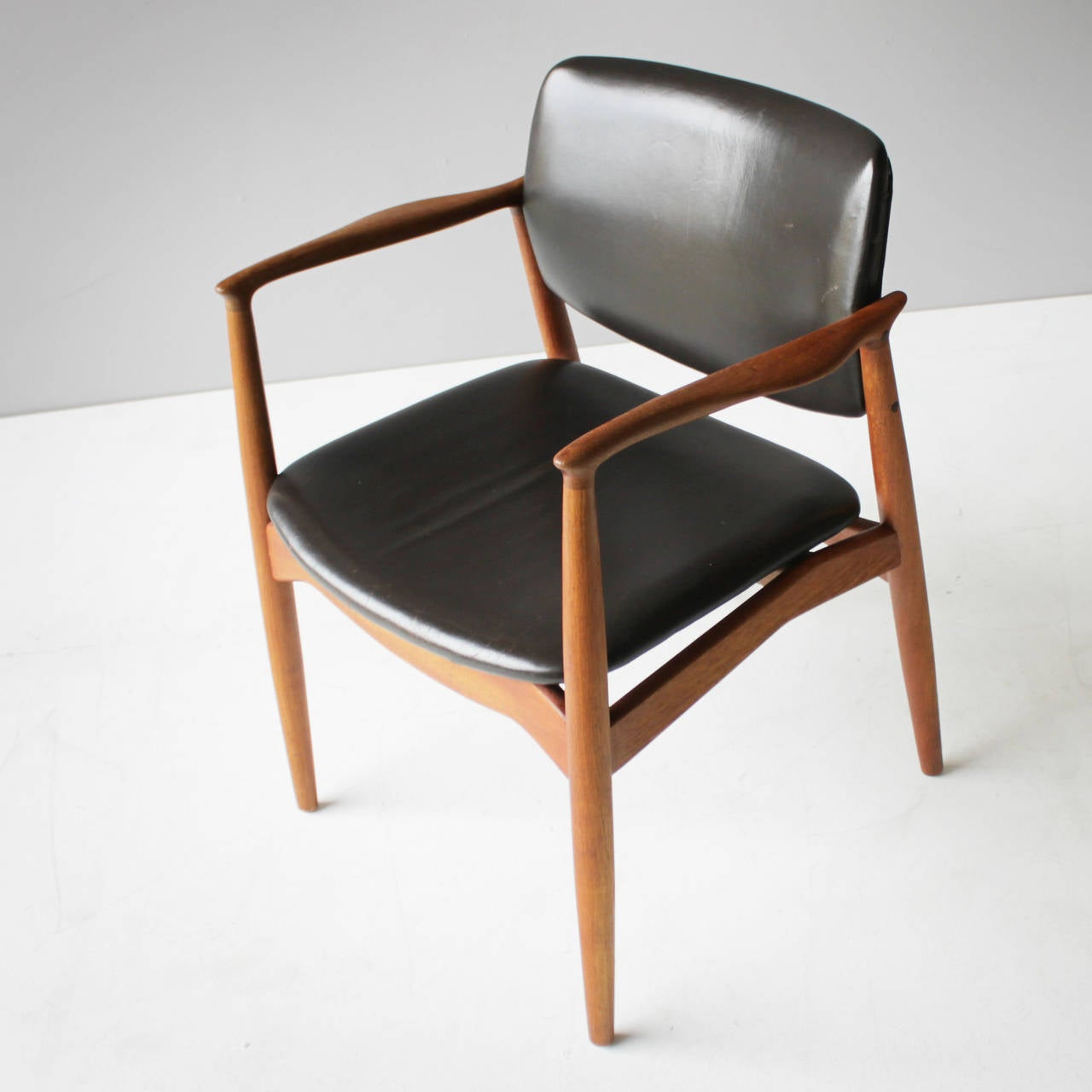Mid-20th Century Teak and Leather Chair by Eric Buck for Ø. Mobler, Denmark For Sale