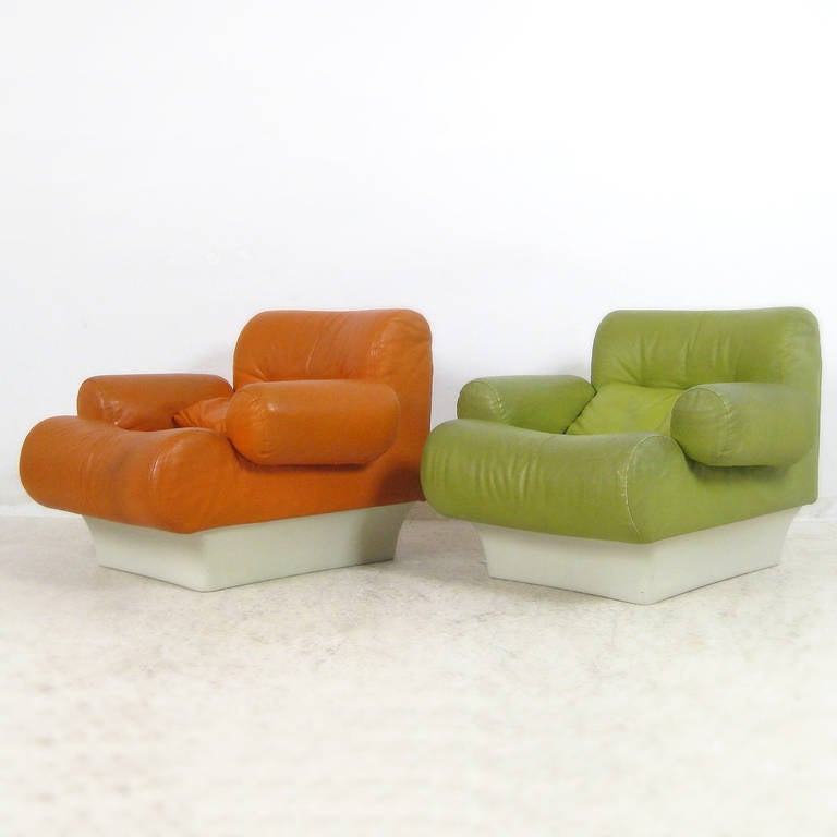 Leather living room set, model 'Sofaletten' by Otto Zapf 1967 Germany. Black and white fiberglass bases with green, orange and black leather upholstery.
