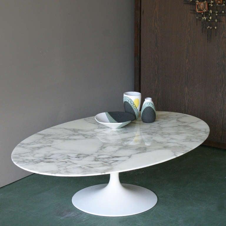 Oval Tulip Coffee Table: Oval Coffee Table By Eero Saarinen For Knoll At 1stdibs