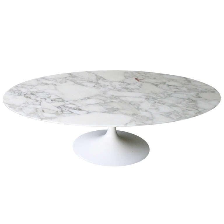 Oval Coffee Table By Eero Saarinen For Knoll At 1stdibs