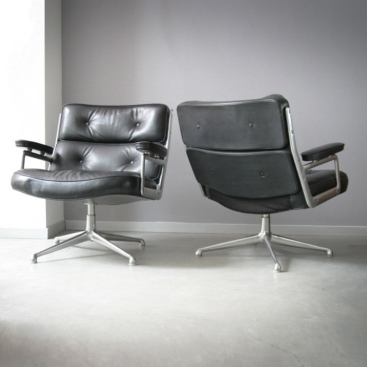Eames Lobby Chairs 675 at 1stdibs