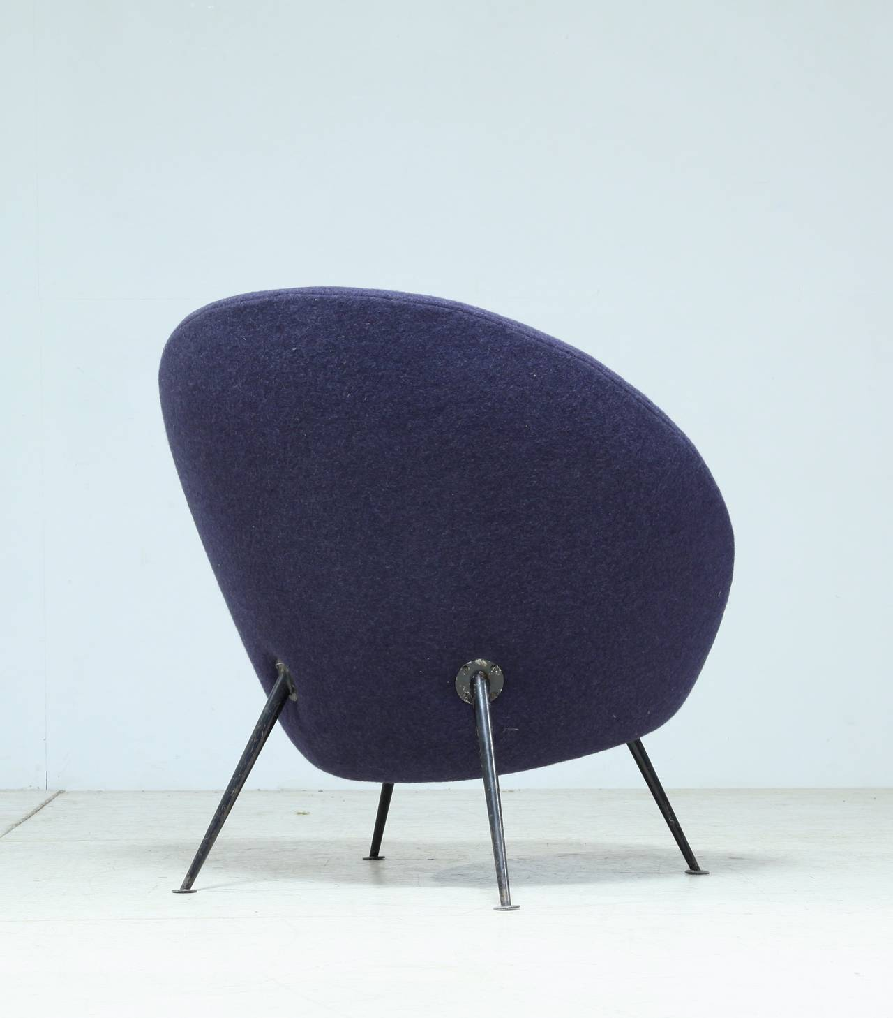 rare ico parisi egg chair model 813 in excellent original upholstery at 1stdibs. Black Bedroom Furniture Sets. Home Design Ideas
