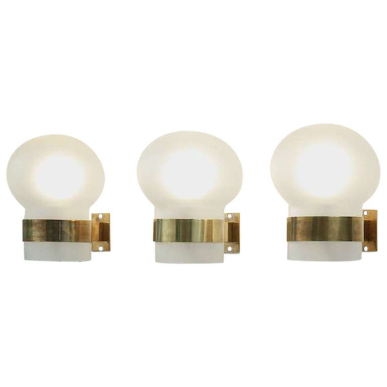 Fontana Arte Pair of Wall Sconces, Frosted Glass Shades with Brass, Italy, 1960s