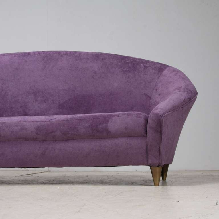 Large 1950s Curved Violet Sofa in Mint Condition, Italy 5