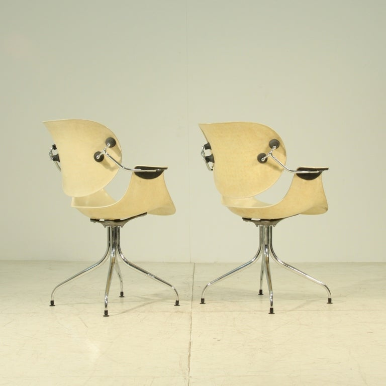 Ultra rare pair of George Nelson MAA chairs on swaglegs, Herman Miller USA, 1954. Museum quality pieces. Stunning set.