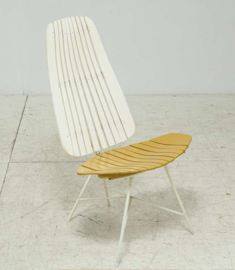 Duo Tone Slat Lounge Chair By Arthur Umanoff For Sale At