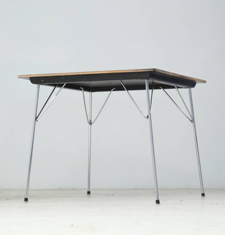 Eames Folding DTM Table with White Laminated Top USA  : Eamestablefoto2l from www.1stdibs.com size 768 x 803 jpeg 28kB